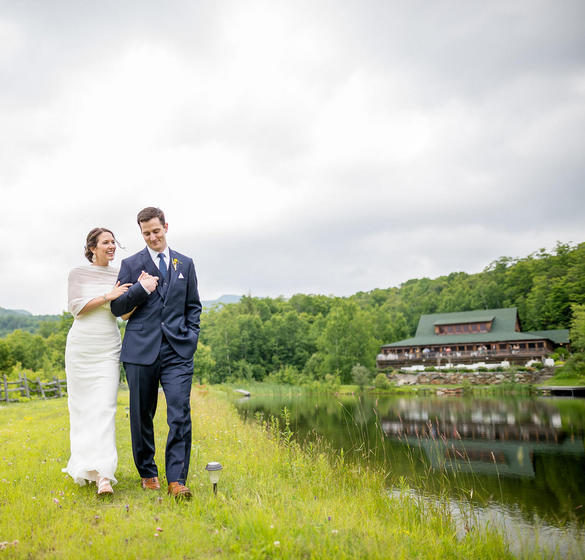 Wedding Couple at Ponds